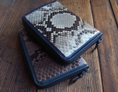 YELLOW BROS. Zip Wallet Python