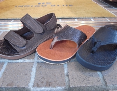 THE SANDALMAN WIDE STRAP/VELCRO STRAP